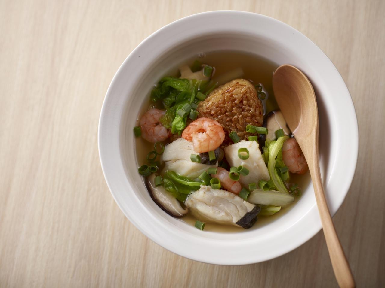 焼おにぎりの海鮮スープ飯(使用商品:魚屋の鍋つゆ(寄せ鍋))