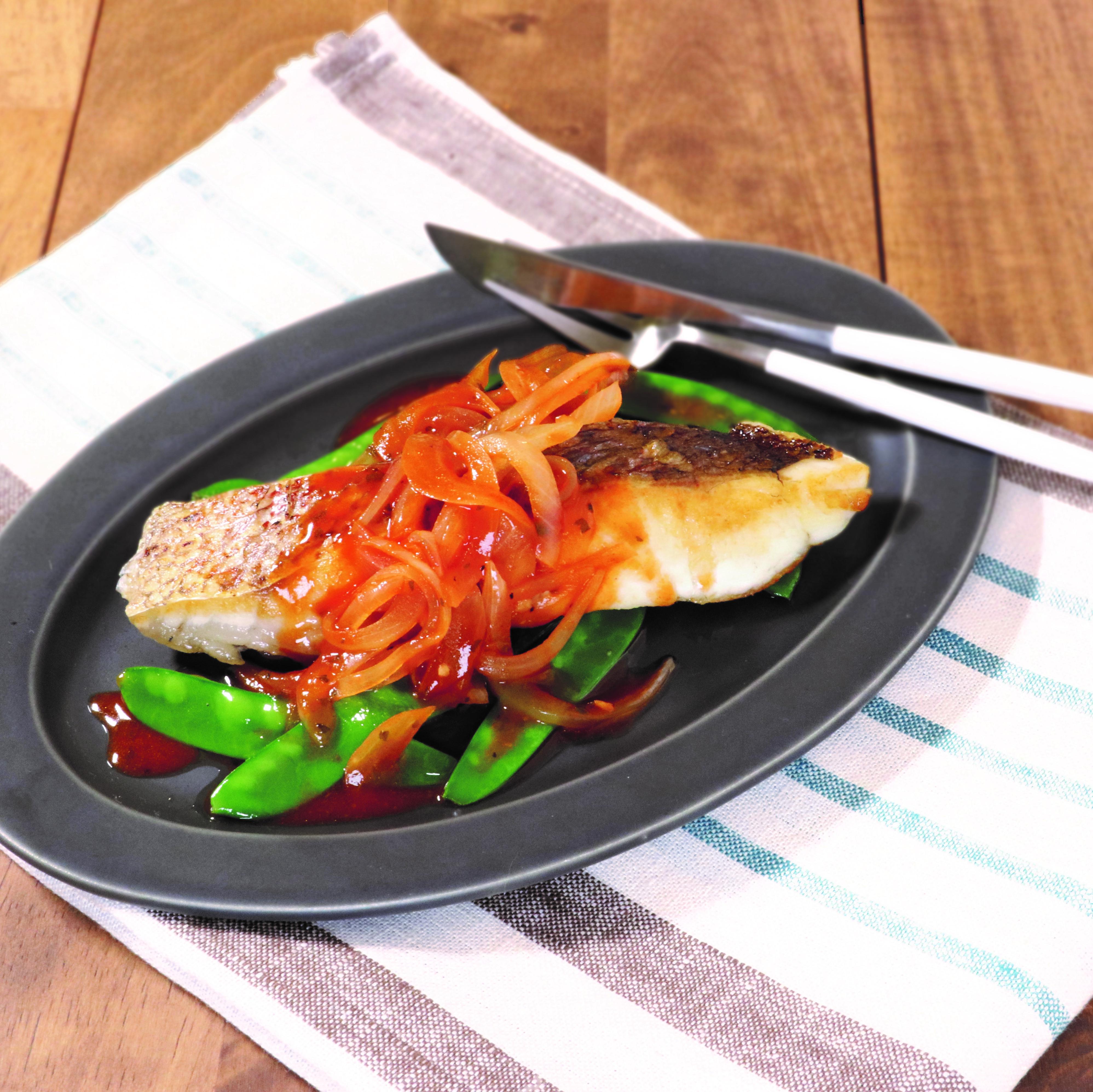 コクうまトマトの鯛のソテー(トマトのうま味ソース)